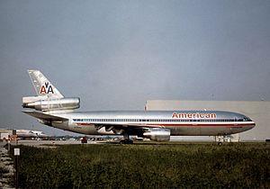 McDonnell_Douglas_DC-10-10,_American_Airlines_JP5931060
