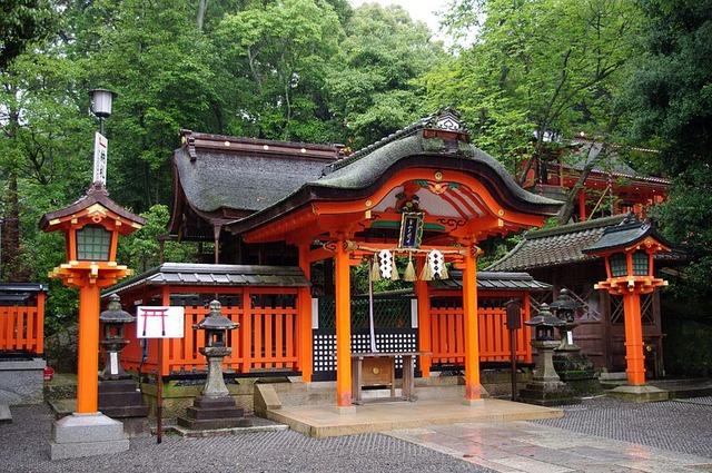 800px-20100714_Kyoto_Fushimi_Inari_1728