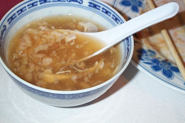 800px-Bird's_Nest_soup