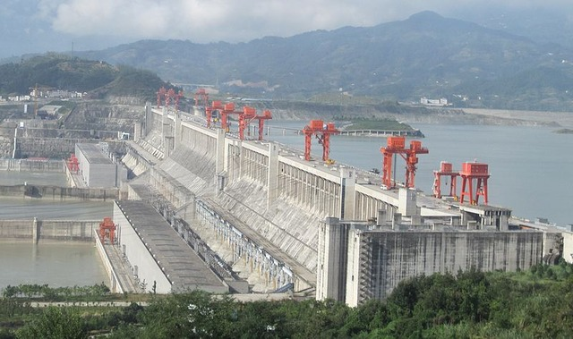 800px-ThreeGorgesDam-China2009