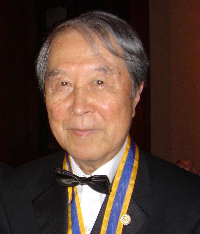 800px-YoichiroNambu