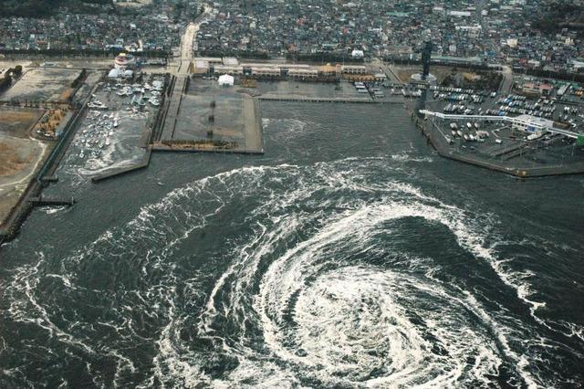 311大洗町職員「津波です。避難指示です。」町長「なに生ぬるい事言うとんねん!!」