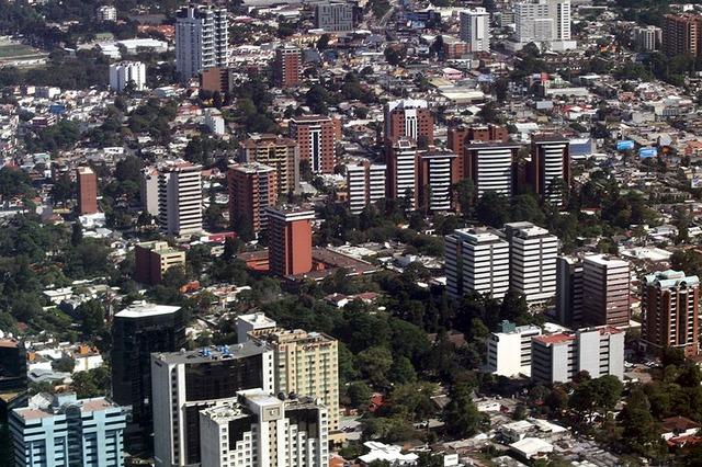800px-Zona_10_Guatemala