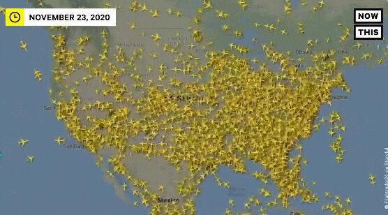 アメリカ 感謝祭を過ごすために飛行機が大量に移動するのが確認されるwww これはやばいww