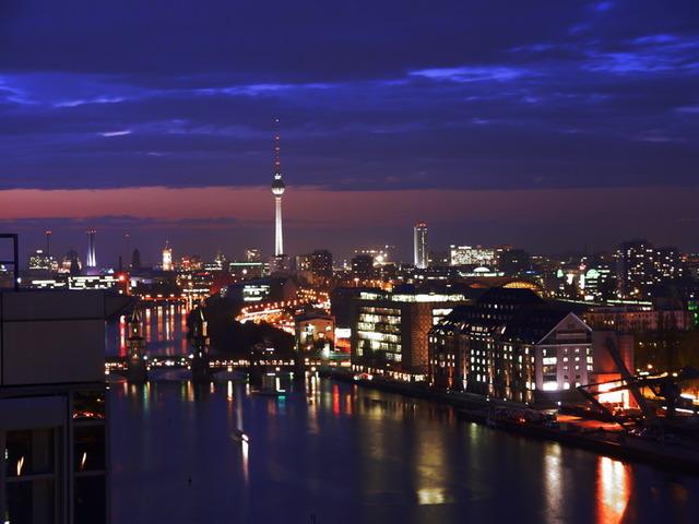 Berlin_Mitte_by_night