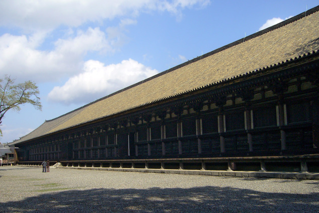 Sanjusangendo_temple01s1408