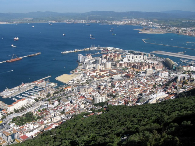 Gibraltar_Bay_02