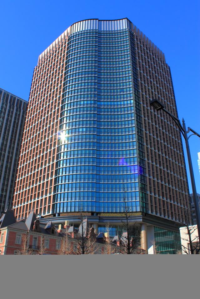 Marunouchi_Park_Building_2012