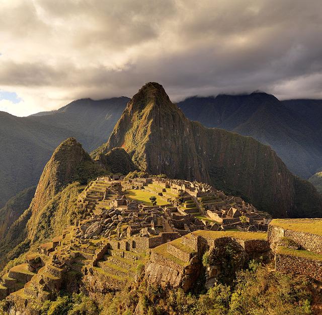 800px-80_-_Machu_Picchu_-_Juin_2009_-_edit