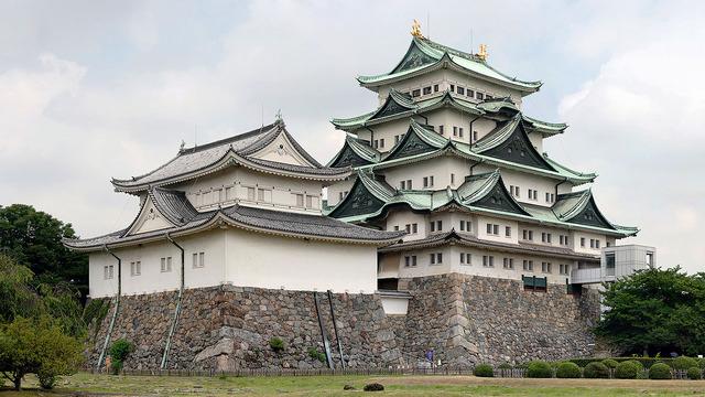 1280px-Nagoya_Castle(Larger)