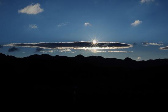 田峰観音からの日の出-s