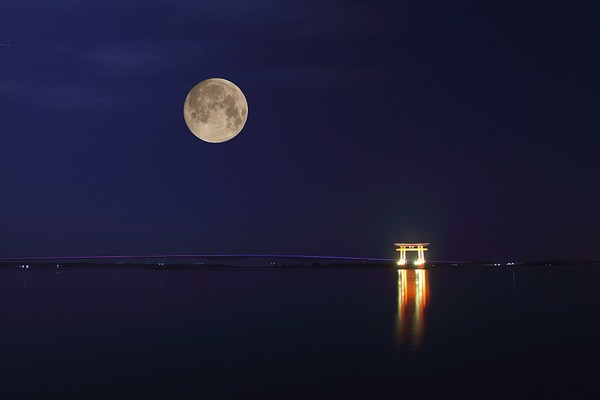 中秋の名月と浜名湖3-s