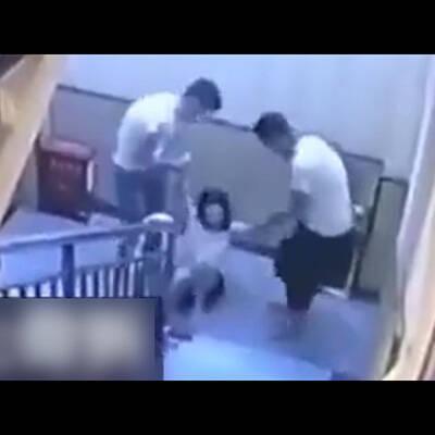 【エロ画像】 再婚相手の娘のJKをレイプ!! トイレオナニー中に突撃中出しレイプwww