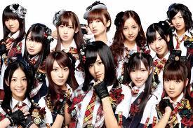 """【テレビ/AKB48】NHK紅白歌合戦 AKBグループだけで""""3枠""""に物議 「まとめて出せよ」「絶対おかしい」「AKBのせいでモー娘が出られない」★3"""
