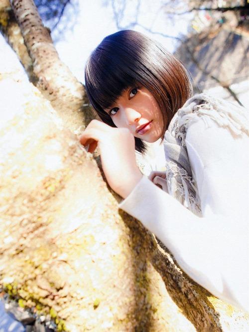 橋本愛グラビア画像036