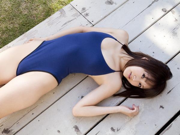 浜田翔子青ビキニ水着画像 1 (1)