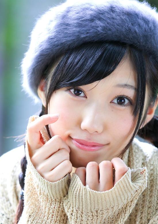 小蜜こと副島美咲8ベレー帽制服画像 (1)