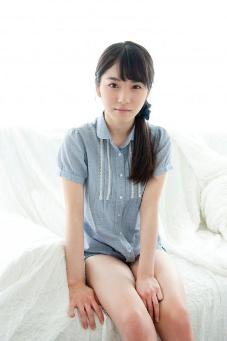 松岡茉優8グラビア画像 (2)