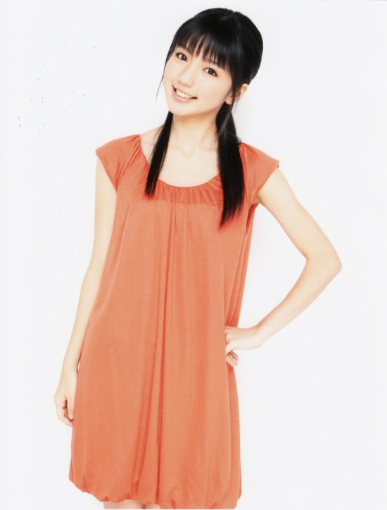 真野恵里菜7オレンジワンピース画像 (1)