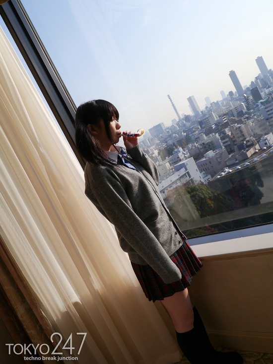 ツインテールロリ系少女2全裸画像 (1)