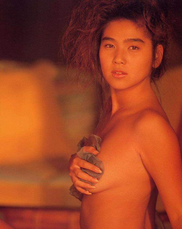 飯島直子1美乳首画像 (3)