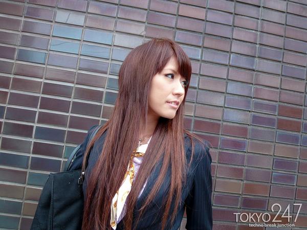 変態ドMっ娘4OL制服で散歩する画像 (1)