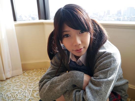 敏感少女2M字パンチラ画像 (8)
