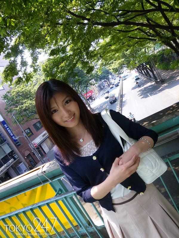 22才お嬢様ふう美女かほ7公園デートの画像 (5)
