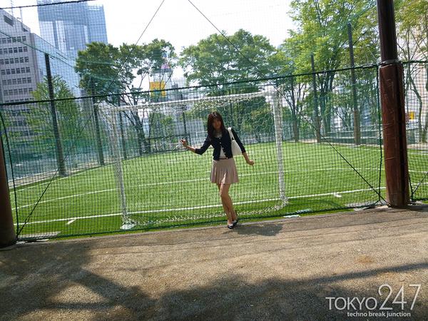 22才お嬢様ふう美女かほ7公園デートの画像 (4)