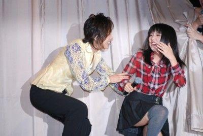 真野恵里菜3舞台パンチラ画像