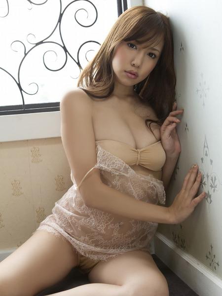 丸高愛実セクシー水着画像 (13)