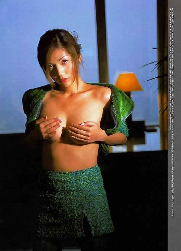 飯島直子2美乳画像 (5)