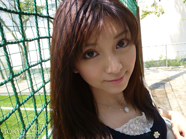 22才お嬢様ふう美女かほ7公園デートの画像 (3)