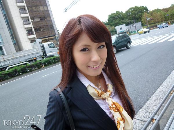 変態ドMっ娘3OL制服で散歩する画像 (8)