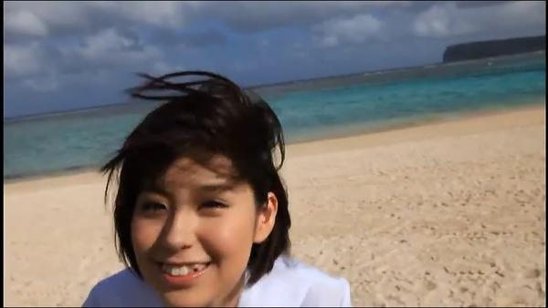 佐武宇綺7海辺で制服画像 (2)