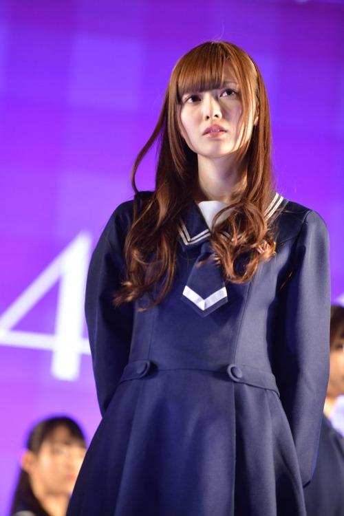 白石麻衣9制服画像 (4)