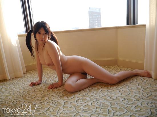 ツインテールロリ系少女2全裸画像 (2)