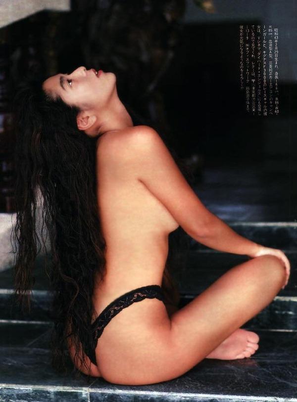 飯島直子2美乳画像 (4)