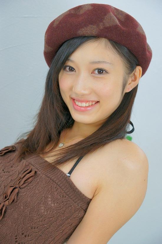 小蜜こと副島美咲7べレー帽子画像 (2)