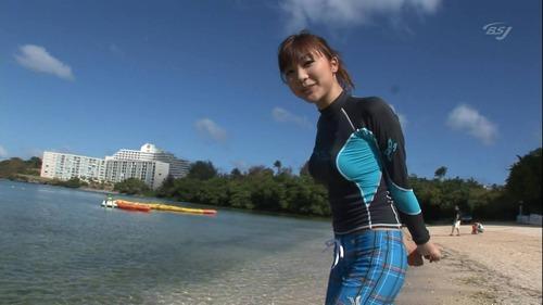 NEWS ZEROの山岸舞彩アナの美脚画像012