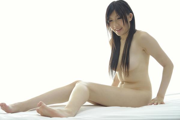 真白みな7全裸画像 (1)