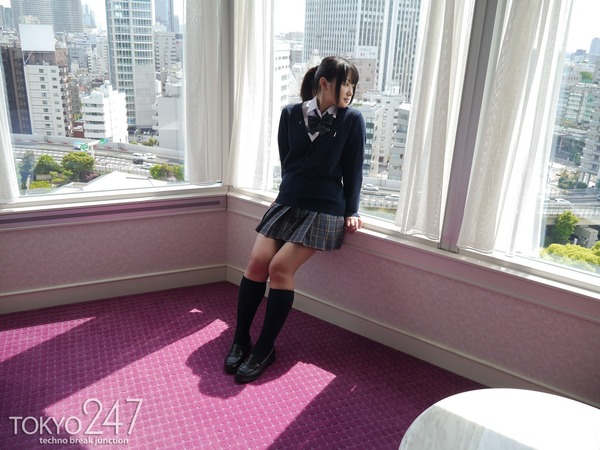 高校生コスプレ少女2M字パンチラ画像 (3)