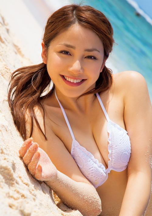 吉川友2ツインテール白ビキニ水着  (5)