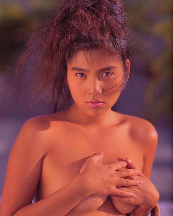 飯島直子1美乳首画像 (10)