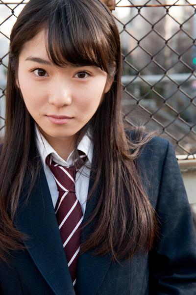 松岡茉優9jk女子高校生制服画像
