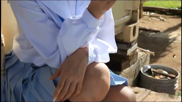 佐武宇綺7海辺で制服画像 (7)