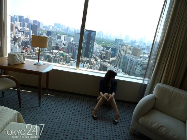 22才お嬢様ふう美女かほ4ラブホチェックイン画像 (2)