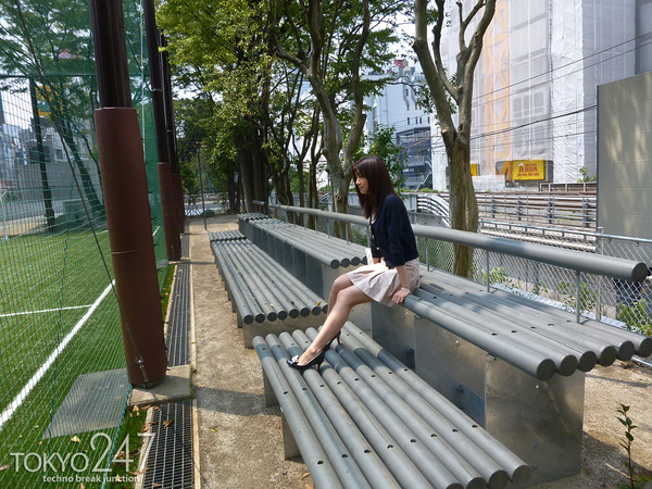 22才お嬢様ふう美女かほ7公園デートの画像 (2)