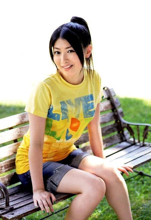 茅原実里5おっぱいTシャツ画像 (8)