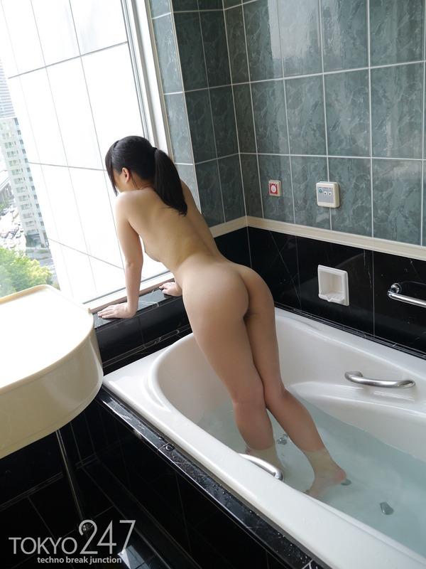 萌え系高校生1全裸バスタブ画像 (4)
